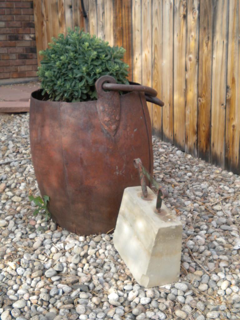 boot scraper with big bucket