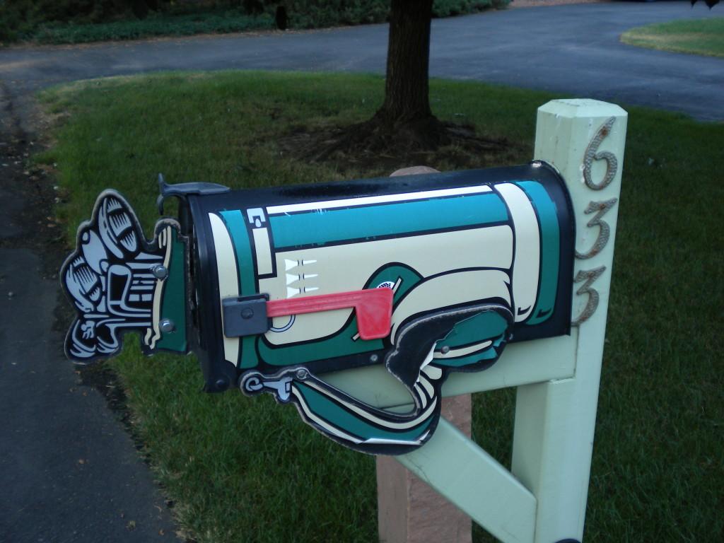 Golf mailbox