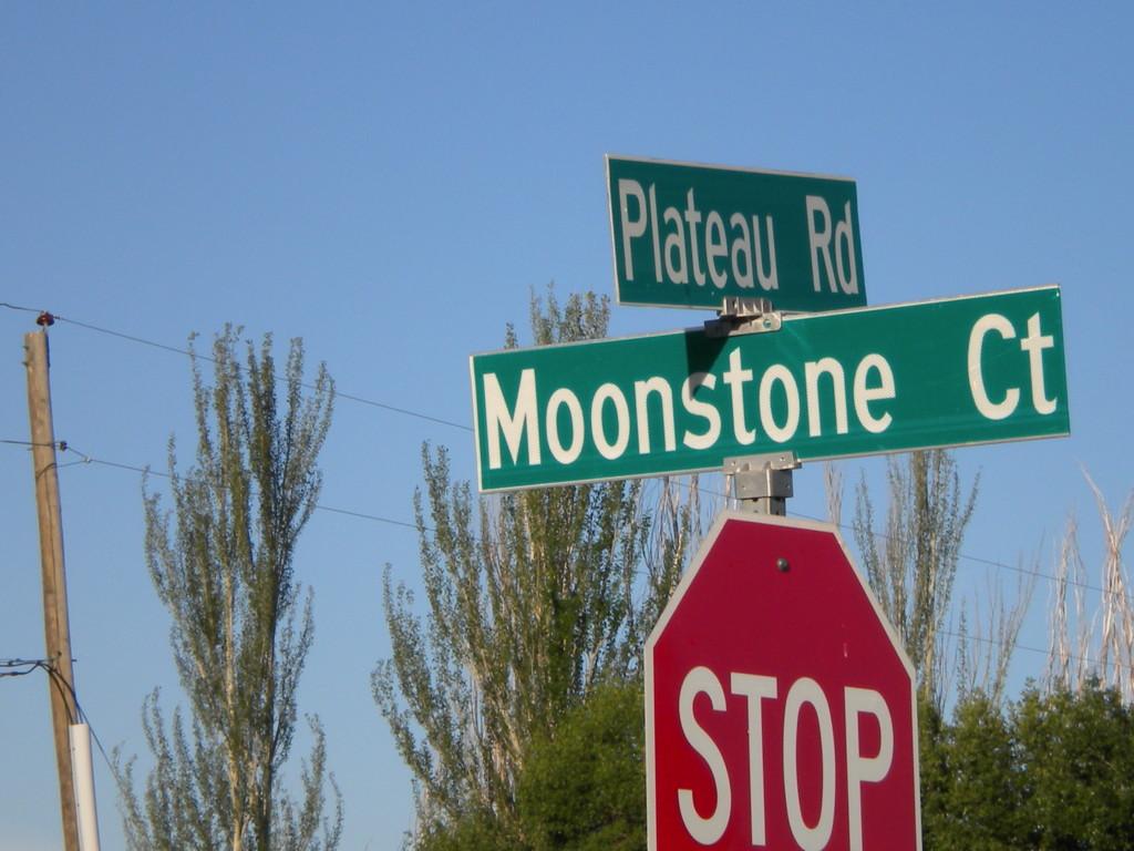 Moonstone & Plateau