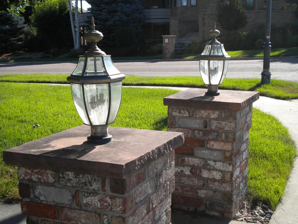 dual lamp posts