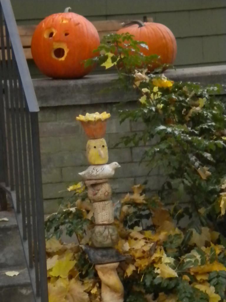 jack o' lanterns with art column